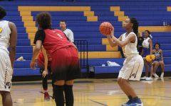 Lady Bulldogs clinch basketball playoff spot