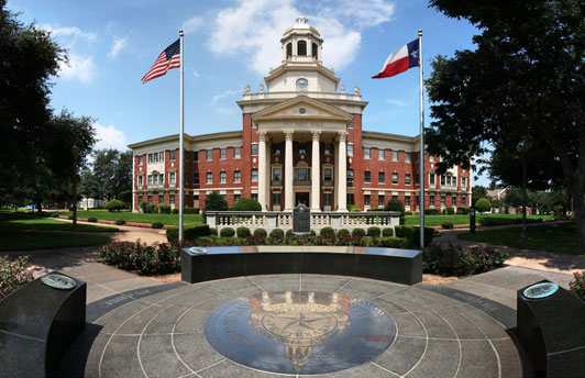 Sophomore Collegiate students visit Baylor University