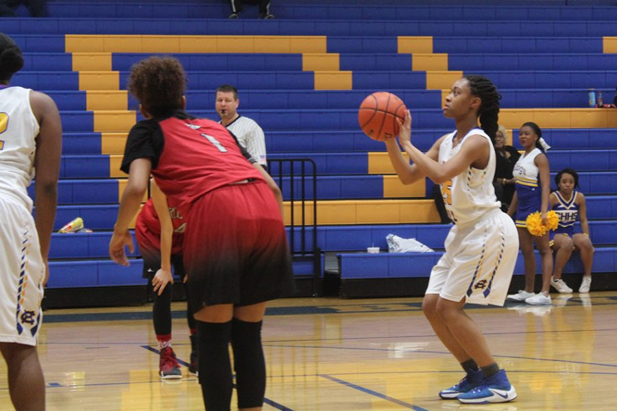 Lady Bulldogs clinch basketball playoff spot