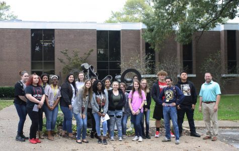 Students visit Tyler Museum of Art