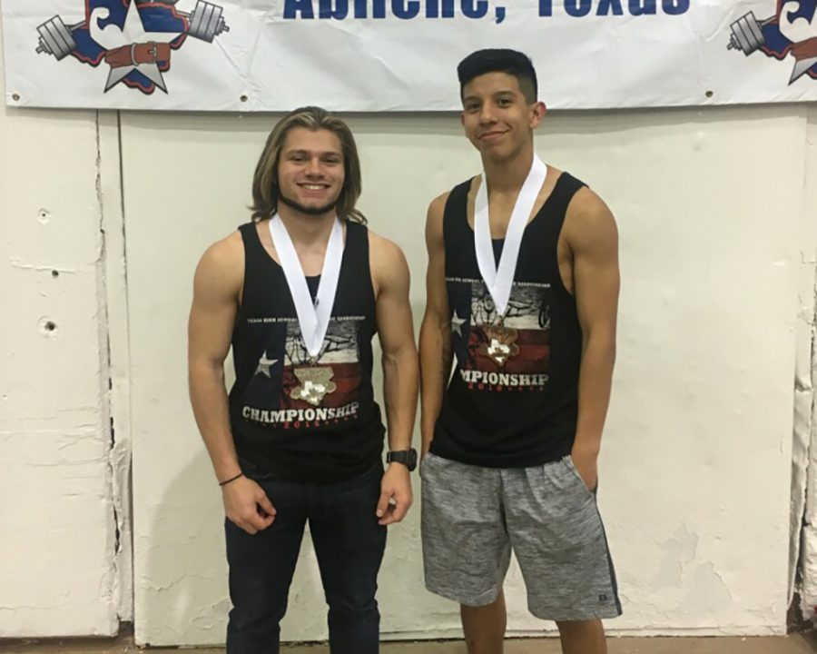 Boys+powerlifting+medals+at+State
