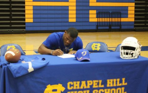 Little signs with Southern Arkansas University