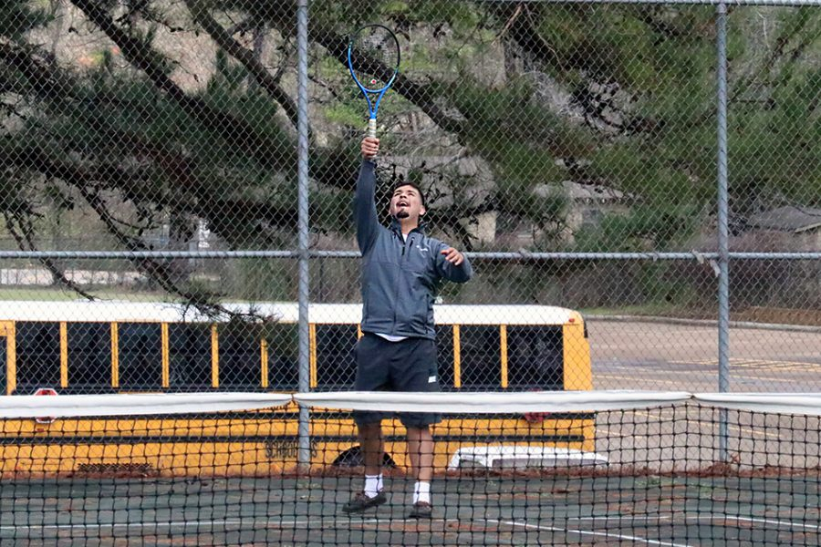 Tennis wins against Troup