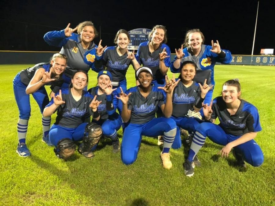 Softball wins against Frankston