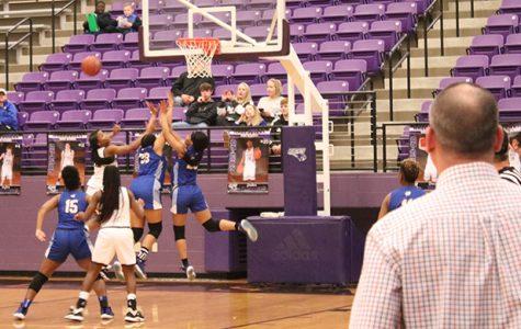 Girls Basketball makes it to playoffs