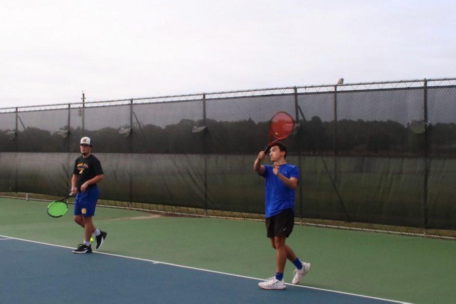 Tennis+competes+again