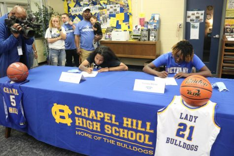 Lady Bulldogs sign to play college basketball