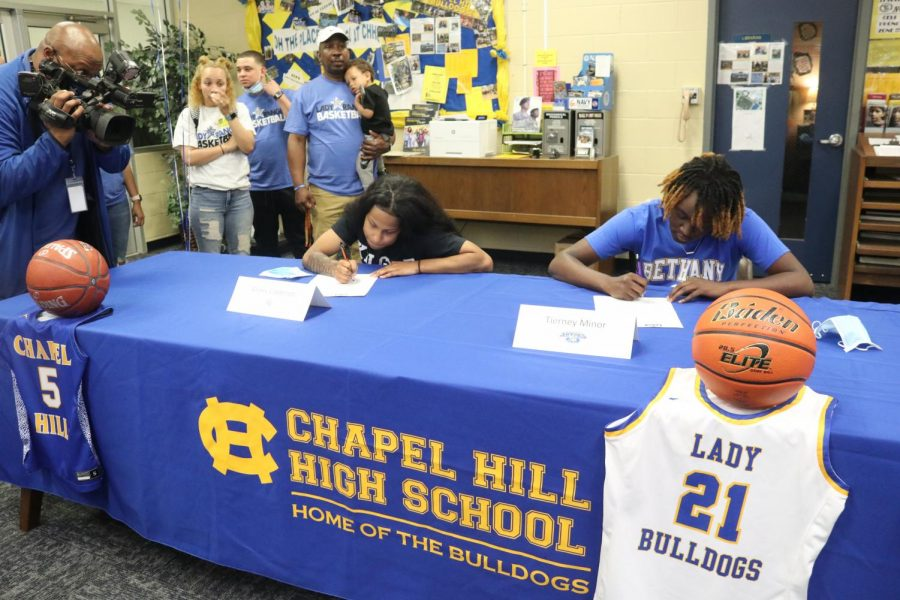 Lady+Bulldogs+sign+to+play+college+basketball