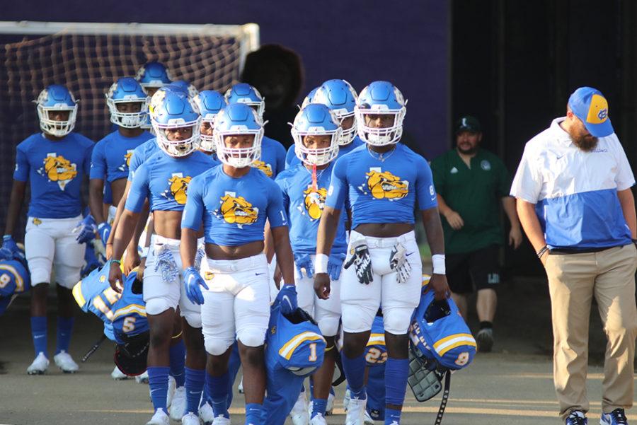 Varsity team tackles Livingston Lions